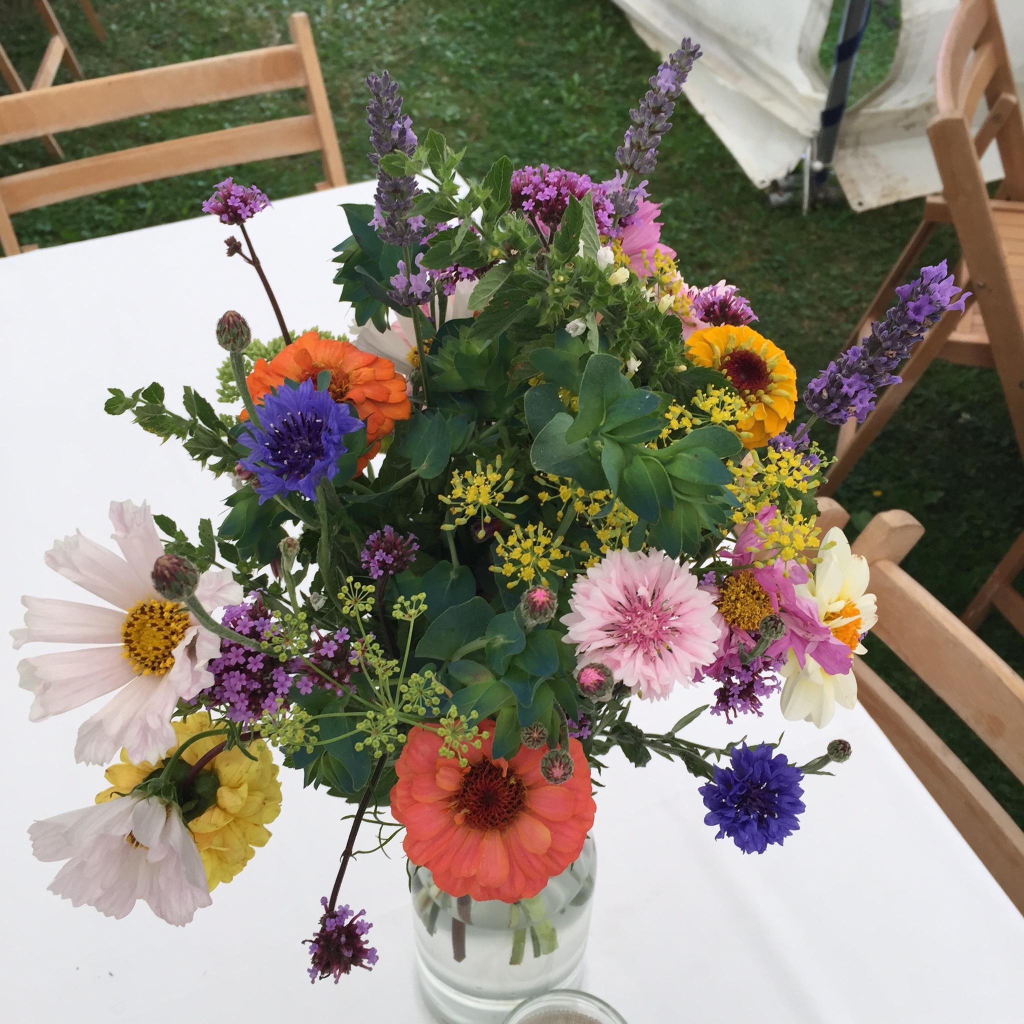 Wedding flowers bath
